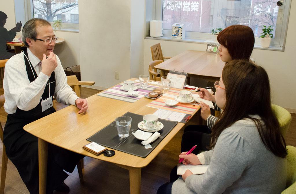 「cafe Schale おおまち」さんで、担当の早坂さんへの取材