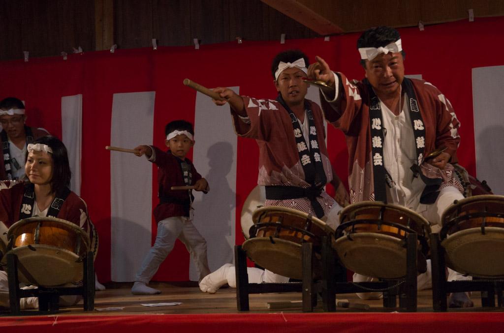 荒雄川神社祭典「演芸の夕べ」